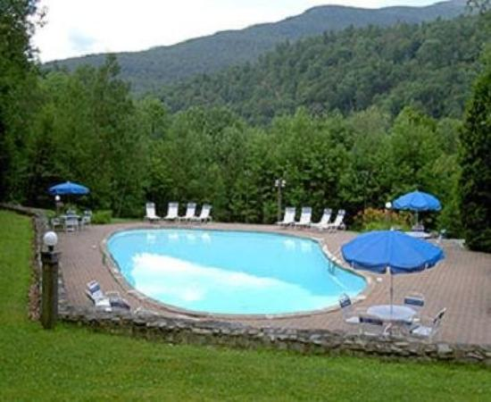 Sugarbush Village Condominums: Pool