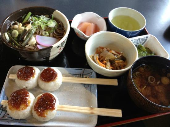 Michi-no-Eki - Shizumo: いもやこ餅定食
