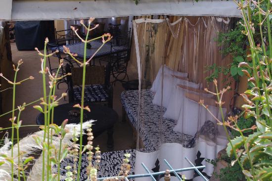 Riad Dar Oulhoum: espace détente en terrasse