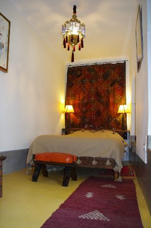 Riad Dar Oulhoum: chambre