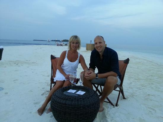 Baros Maldives: Sandbank dining -