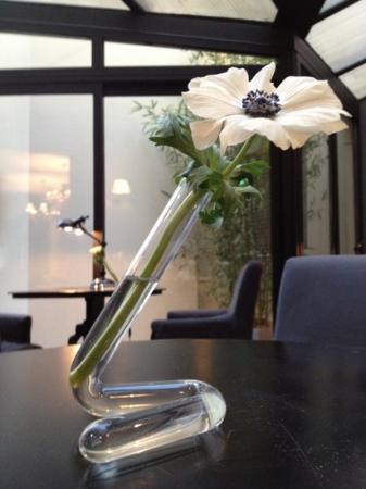 Atelier Montparnasse: une fleur suffit