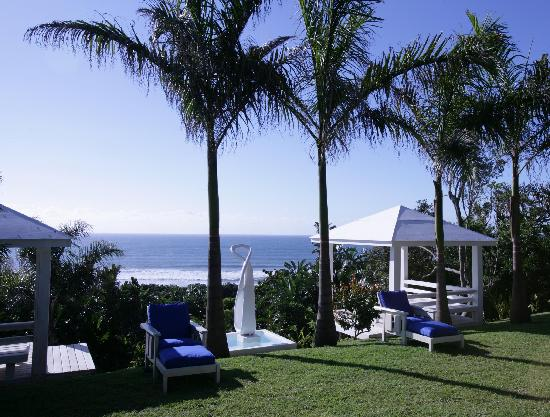 Days At Sea Beach Lodge: Gazebos overlooking ocean