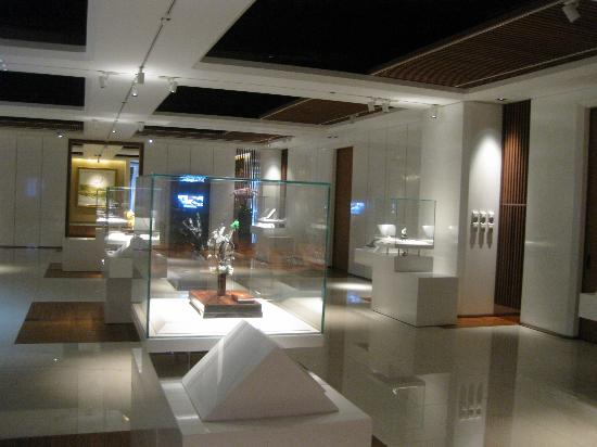 Museum of Jade Art: The inside of the museum