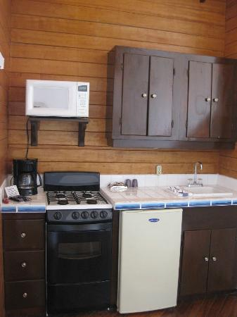 Mata Rocks Resort: microwave, oven, dishwasher, fridge, silverware, dishes, glasses, coffee in our room
