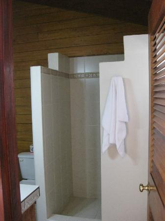 Mata Rocks Resort: bathroom was clean