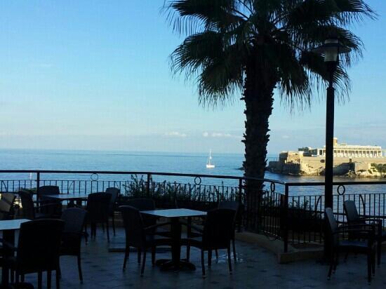 Marina Hotel Corinthia Beach Resort: da marina