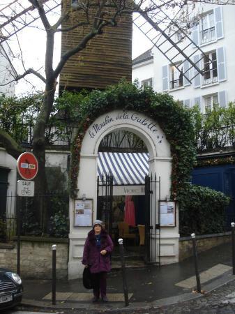 Rue Lepic : moulin de la galette