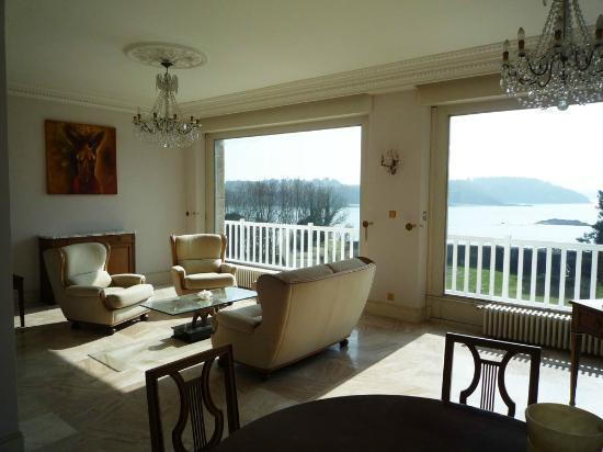 La villa c t mer b b saint malo france voir les - La cremaillere cote mer et hotel cote jardin ...