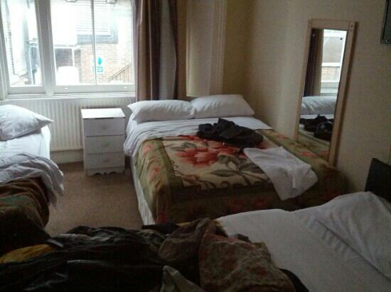 37 Collingham Place London: Room number 6