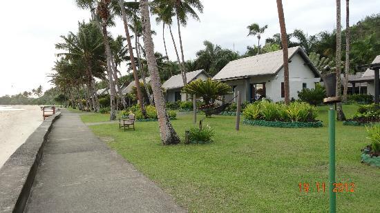 Fiji Hideaway Resort & Spa: ocean front bures