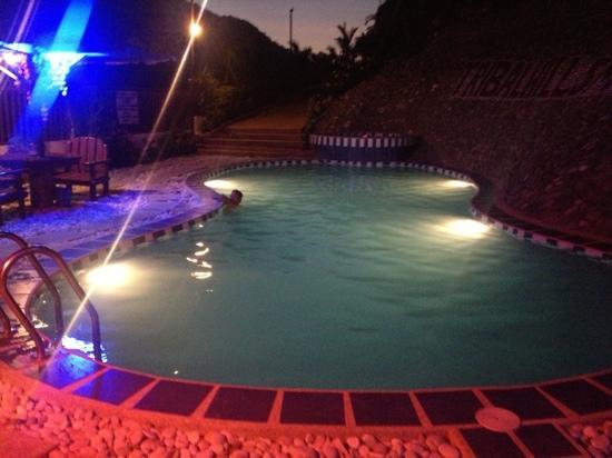 Tribal Hills Mountain Resort: Pool at night 