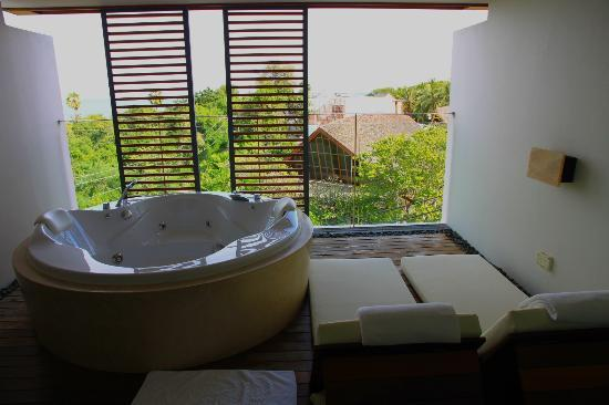 "Veranda Resort and Spa Hua Hin Cha Am - MGallery Collection: Balcony ""Seaview Jacuzzi"""