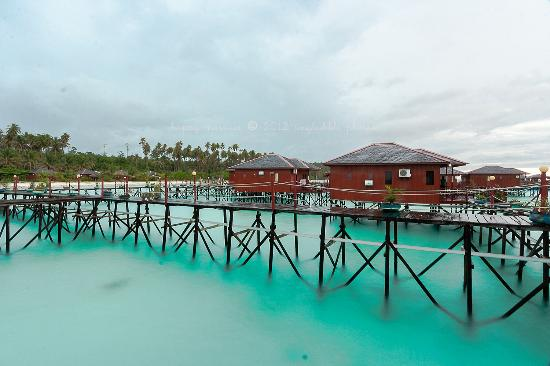 Maratua Island, Indonésia: Area Water Village (cottage room on stilts)
