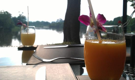 Peppers: Fresh drinks and beautiful view
