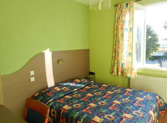 Hotel du Val de Saone : Guest Room