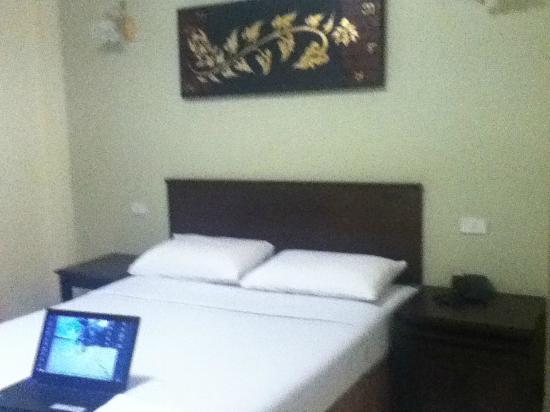 Rambuttri Village Inn & Plaza: La chambre