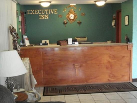 Executive Inn: Front Desk