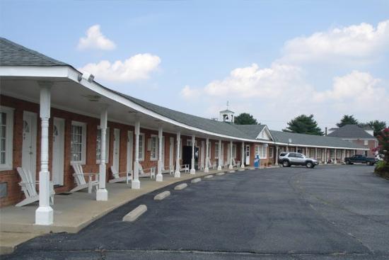 Washington & Lee Motel: Exterior