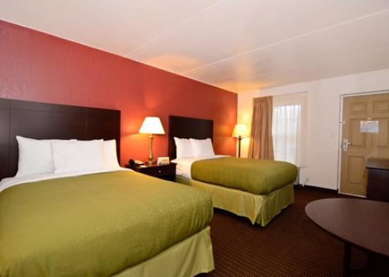 Days Inn Cave City: Double beds