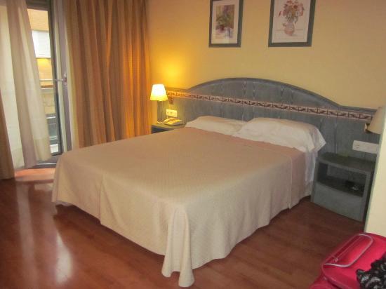Foto de Hotel Monte Carmelo, Sevilla: camera - TripAdvisor