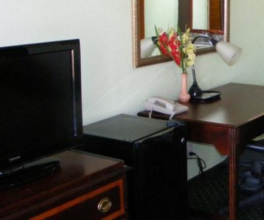 Budget Inn Palmyra: Desk