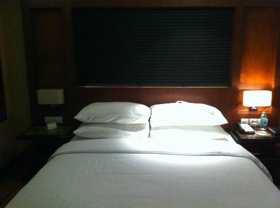 Movenpick Hotel & Spa Bangalore: standard room