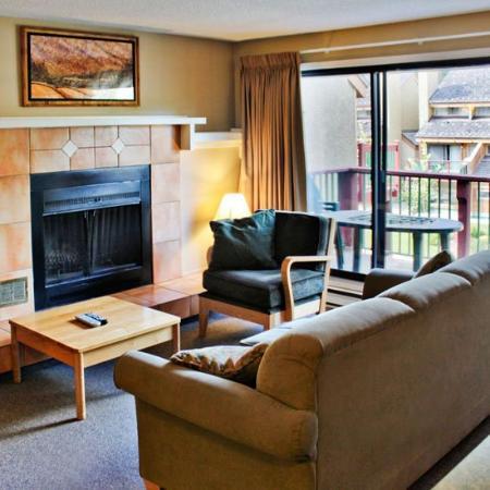 Panorama Springs Lodge : Panorama Living Room Fireplace Bd