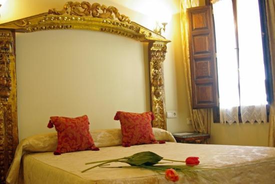 Hotel Alcazar -- Segovia : Room
