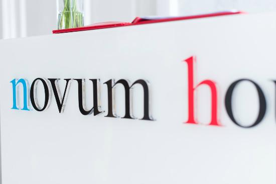 Novum House: Reception
