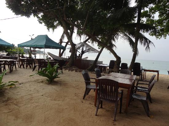 Tartaruga Hotel & Beach Restaurant : Beach restaurant early morning