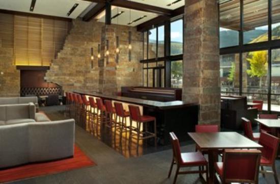 Solaris Residences : Restaurant