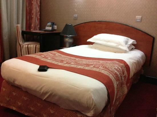 Best Western Le Patio Saint Antoine: Cama