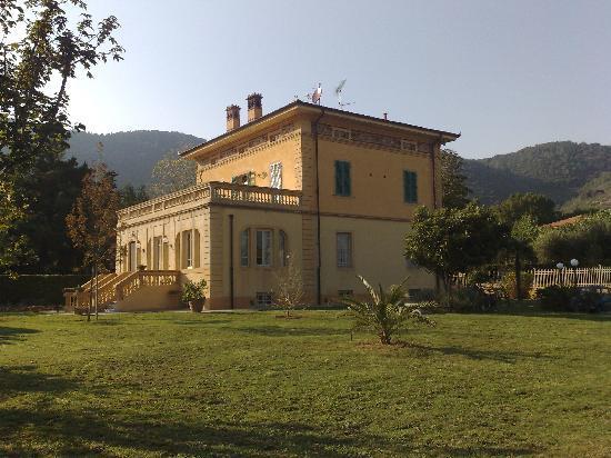 Marta Guest House