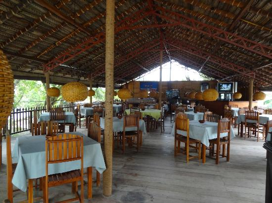 Tartaruga Hotel & Beach Restaurant: upstairs restaurant
