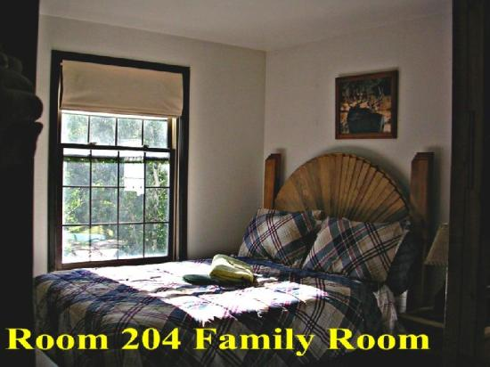 Riverside Lodge East : Guest Room