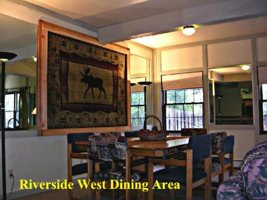 Riverside Lodge East: Interior