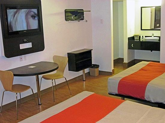 Motel 6 Victorville Apple Valley: MDouble