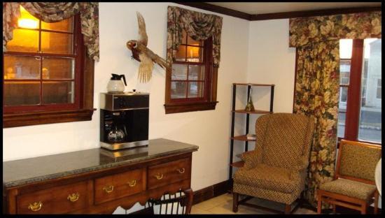 Driftwood Inn: Lobby