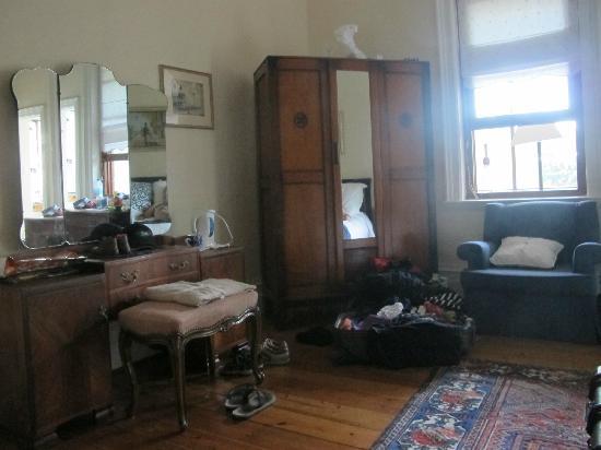 Carmichael Guesthouse: une petite partie de la chambre