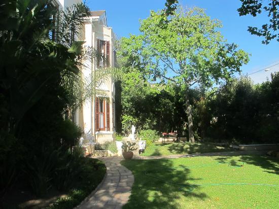 Carmichael Guesthouse: le jardin