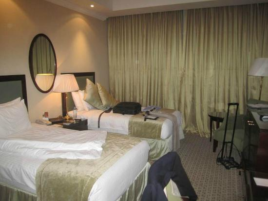 Millennium Hotel Doha: What King Sized Bed?