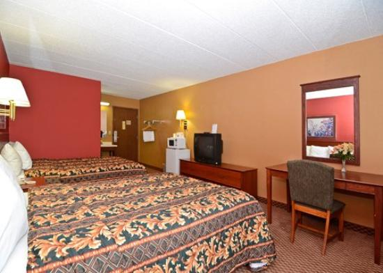 Riverside Suites Mankato: 2Queens