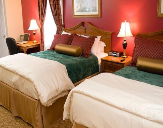 إن آت سوان ريفير: Two Beds