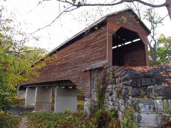 ‪Meems Bottom Covered Bridge‬