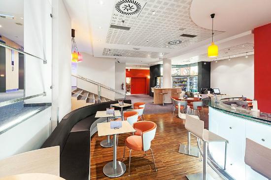 Ibis Praha Old Town: Bar - lobby