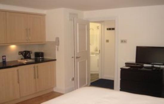 Clarendon Serviced Apartments - Barbican Studios: Rsz Barbican Living Space