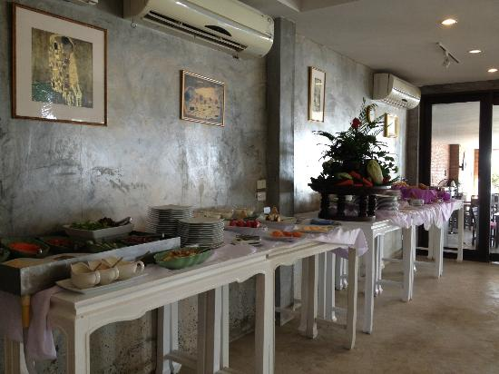 Baan Laksasubha Resort: Breakfast buffet