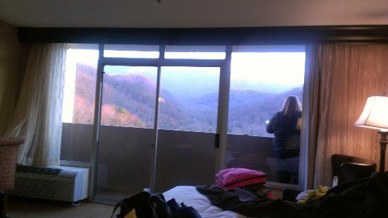 Park Vista - DoubleTree by Hilton Hotel - Gatlinburg: Viewing the mountains from the room and the balcony