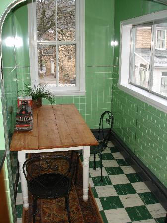 The Guest House Inn on Courthouse Square: Breakfast Nook